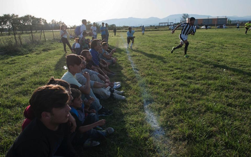 migrant_soccer2_web