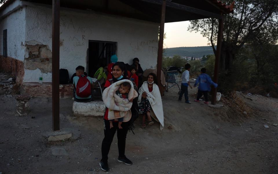 migrants-moria-fire-1