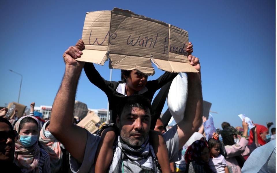 moria-migrants-protest