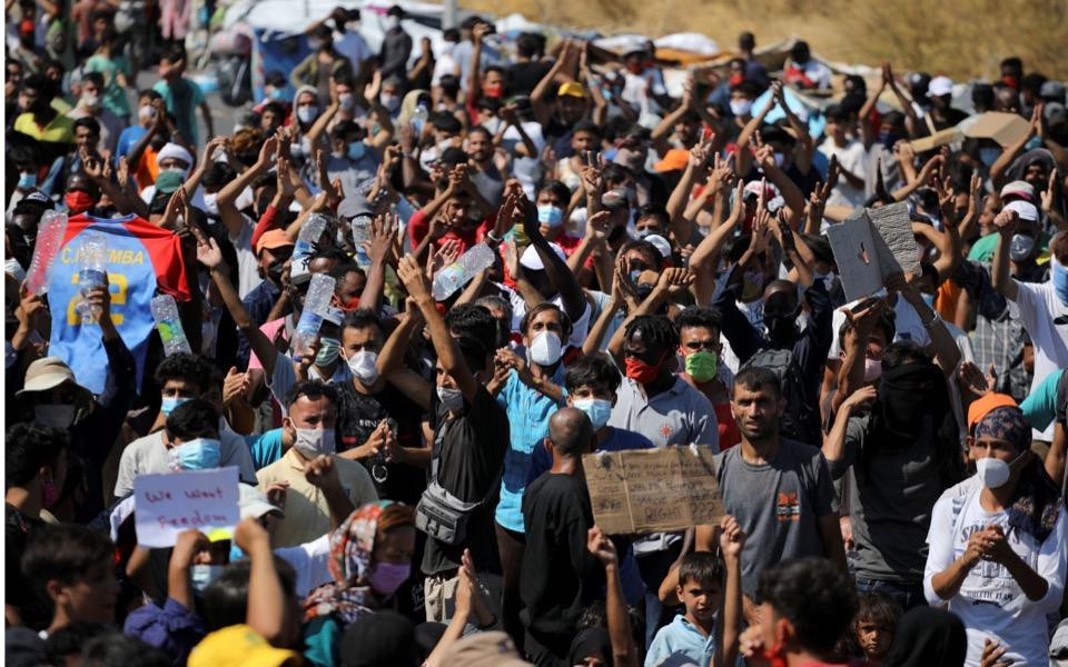 moria-migrants-protest1