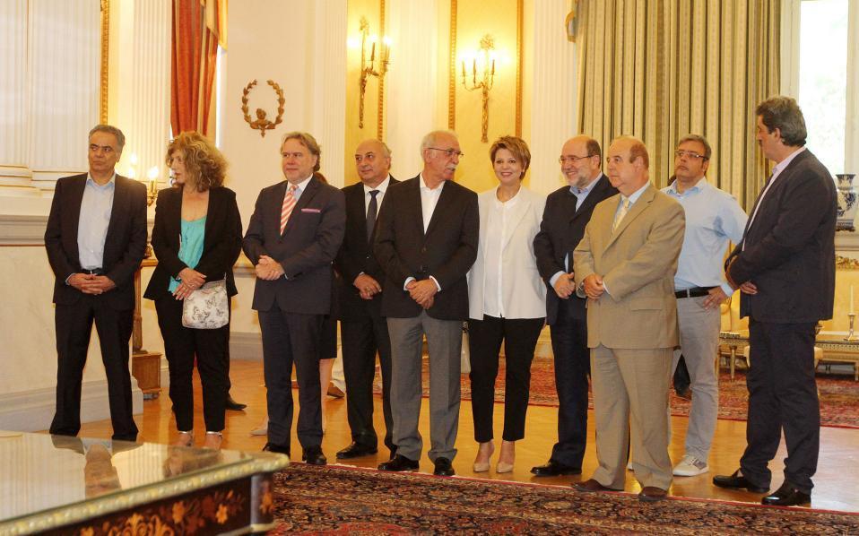 cabinet_july2015_web