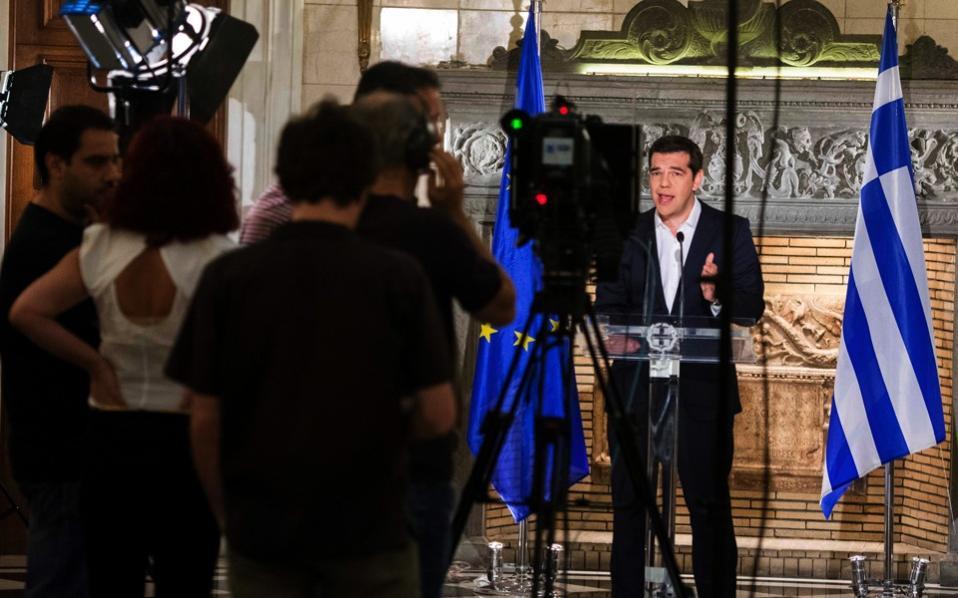 tsipras_cameras_referendum
