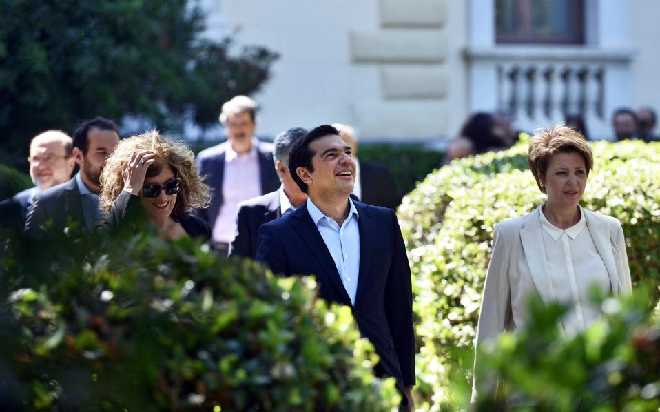 tsipras_looksup_web