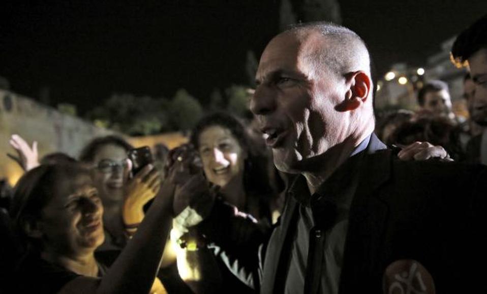 varoufakis_crowd_web