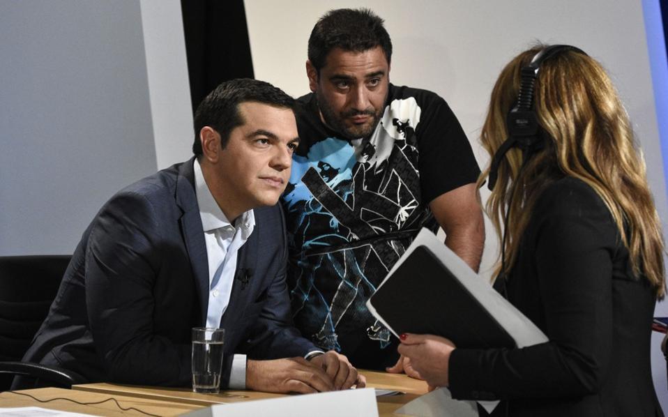 tsipras_backstage-web