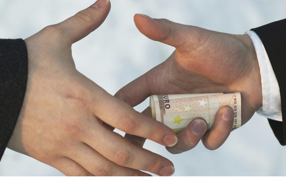 bribe2_web