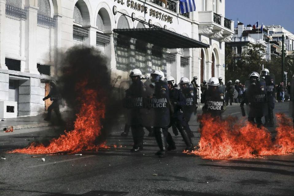 molotov_syntagma_web