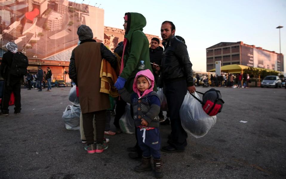 refugees_piraeus