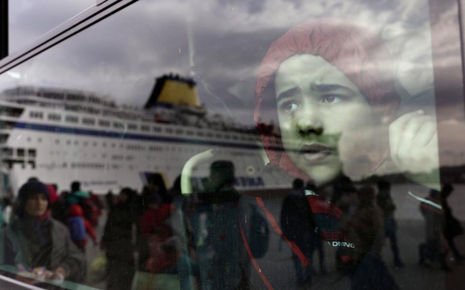 refugee_window_web