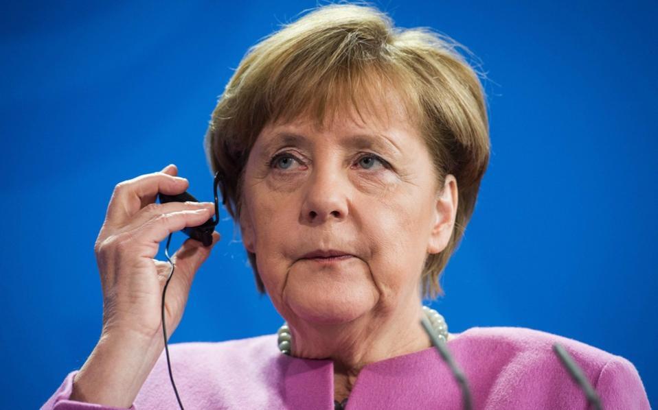 Merkel will outlast all her critics on refugees: Juncker