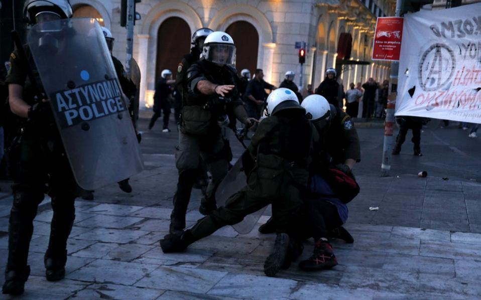 riot_police--2