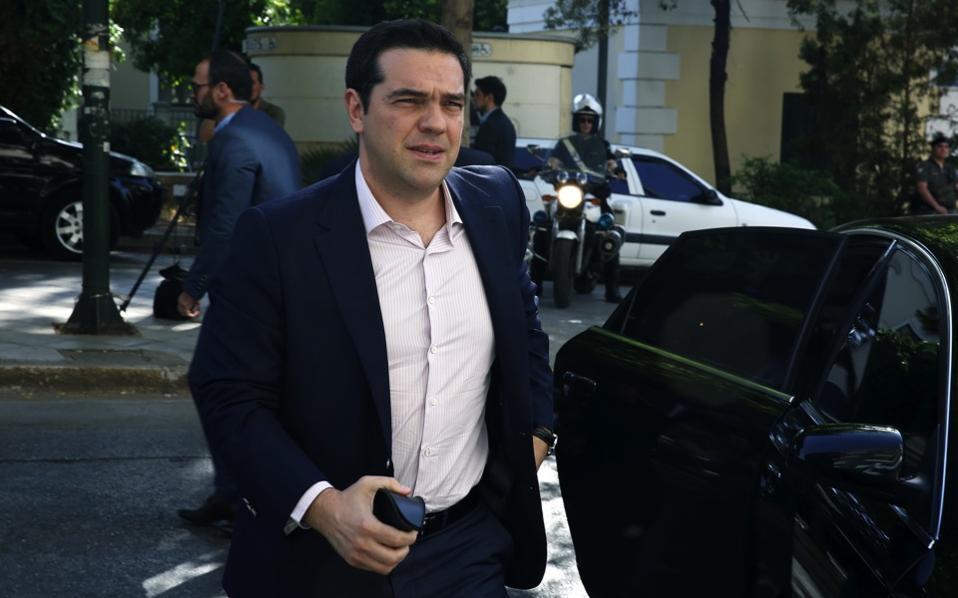 tsipras_car_web