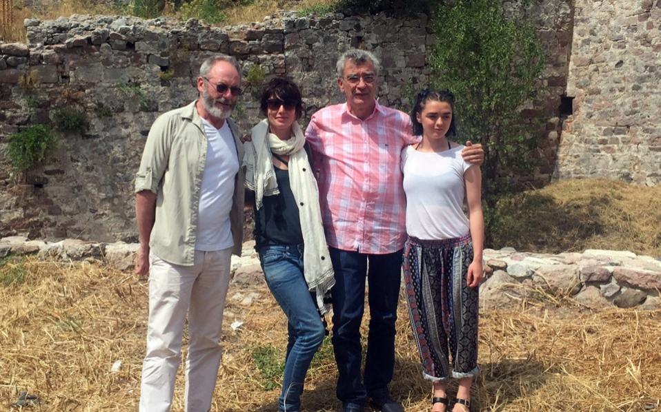 Lesvos Mayor Spyros Galinos (second right) poses with 'Game of Thrones' stars Liam Cunningham (Sir Davos), Lena Headey (Cercei Lannister) and Maisie Williams (Arya Stark).