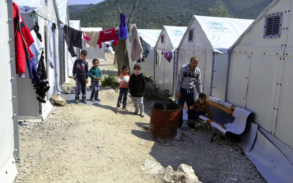 UN's Ban visits refugee camps on Greek island of Lesbos
