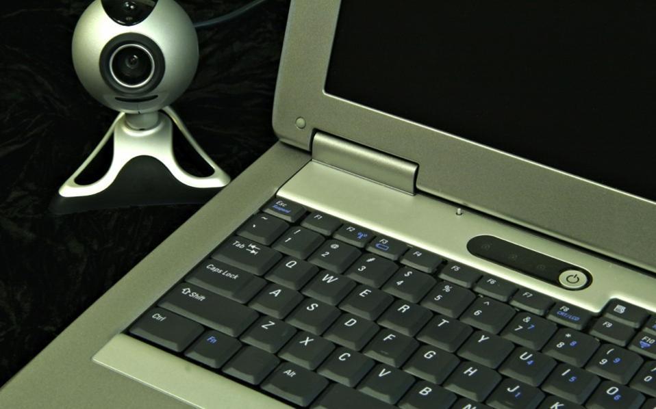 computer_camera-thumb-large