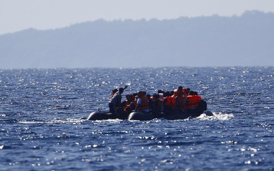 migrants_in_boat