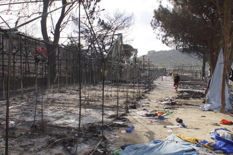 lesvos-burned-camp