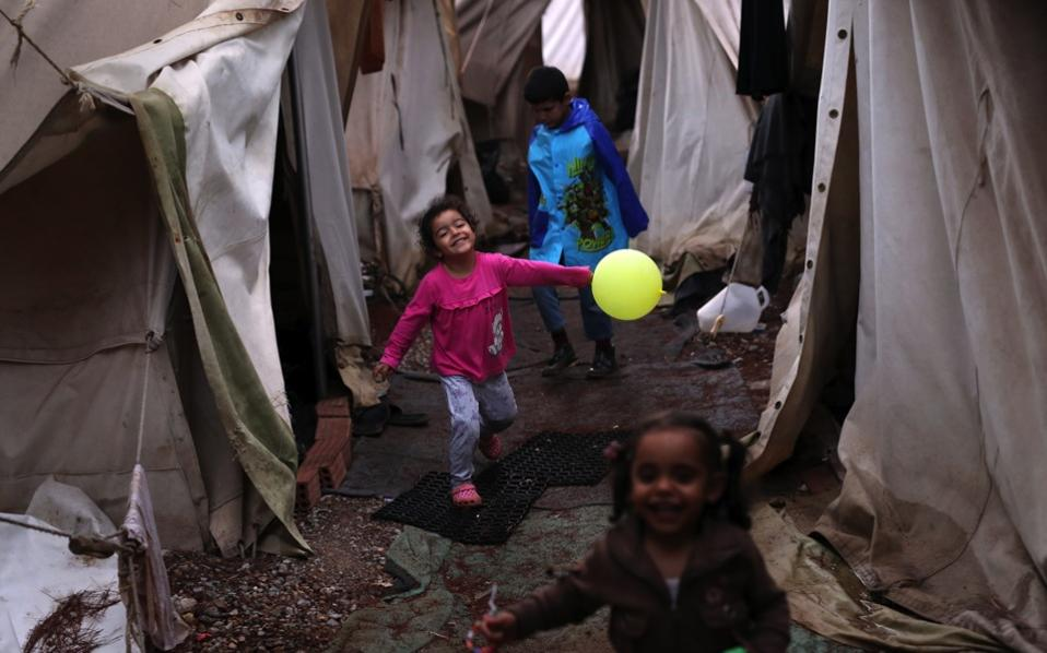 refugee-children-playing_web