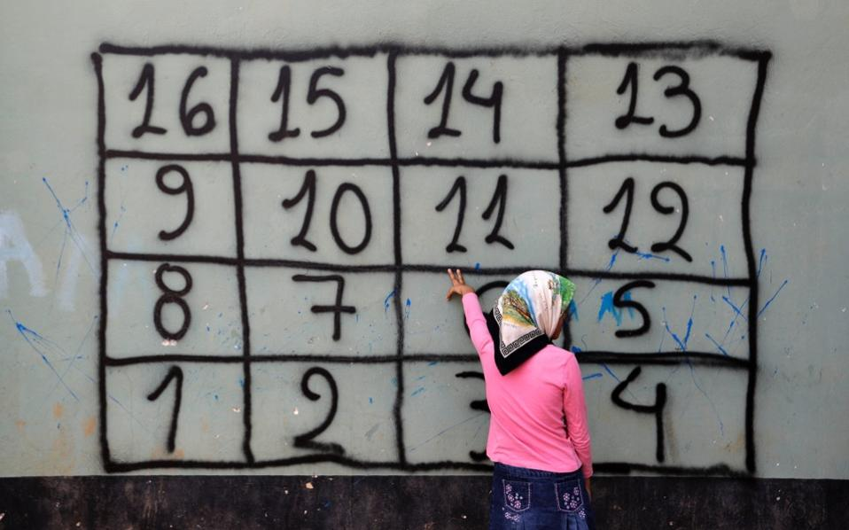 refugee_girl_numbers