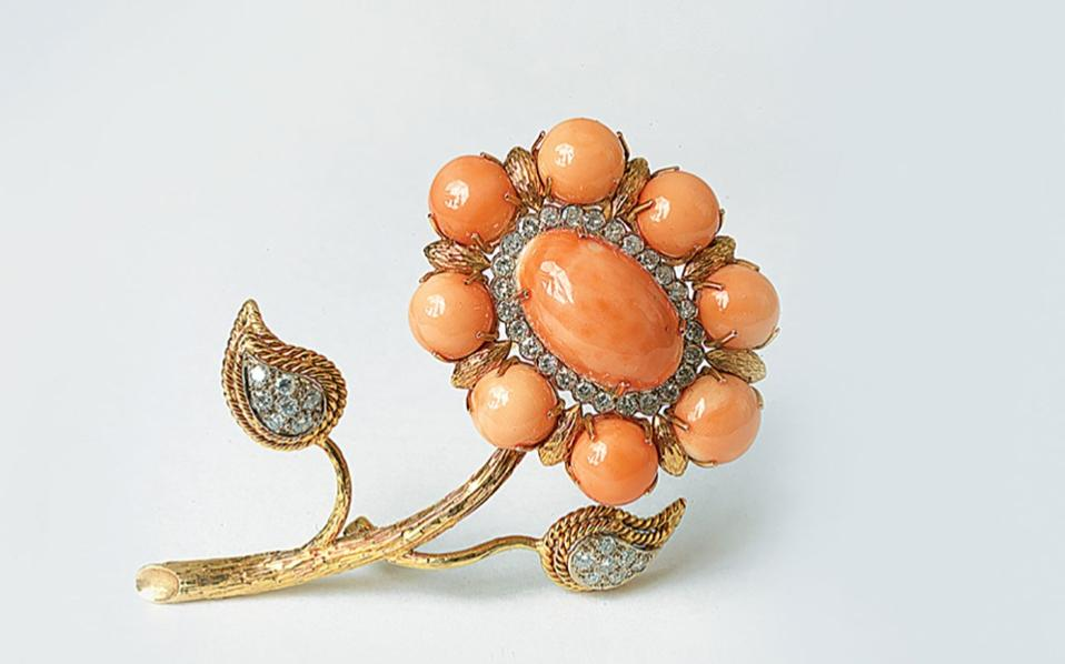 callas-coral-and-diamond-brooch