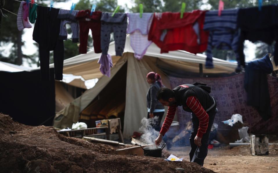 migrant_camp