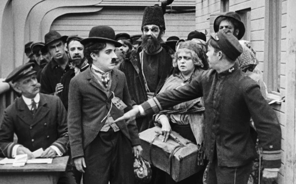 charlie_chaplin_the_immigrant_1917_photos_11