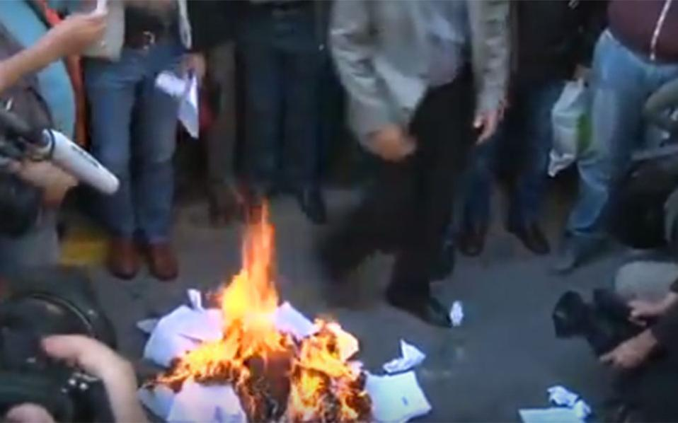 protests_fire