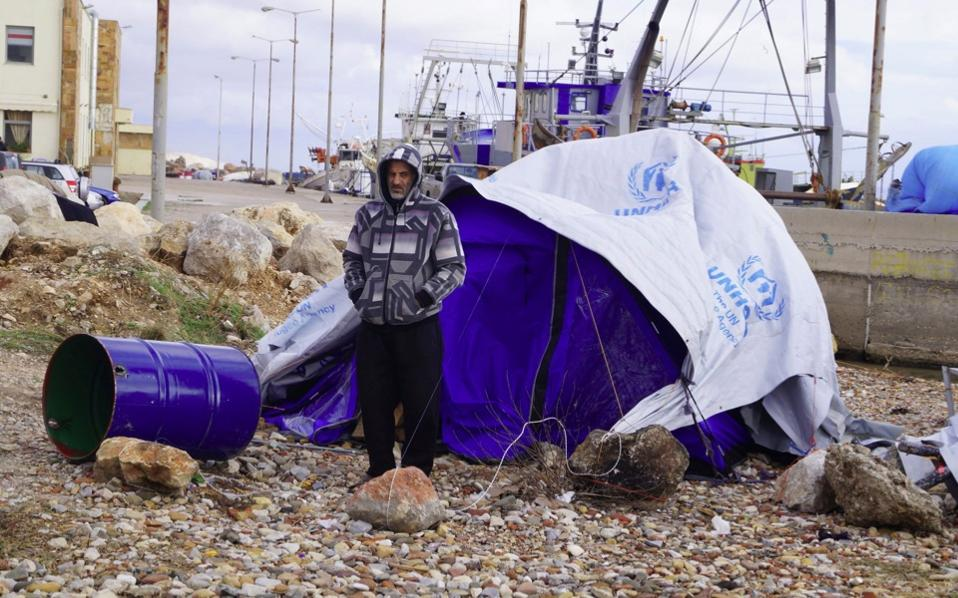 refugee_chios_cold