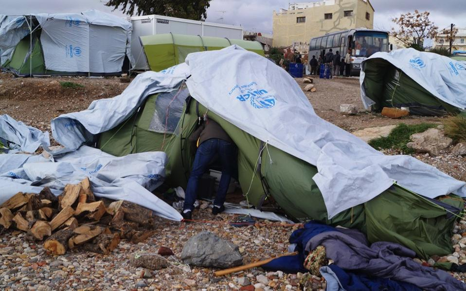 chios_refugees_web