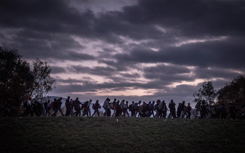 migrants_crossing