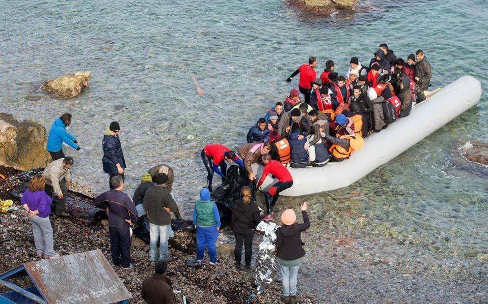 refugees_boat--2