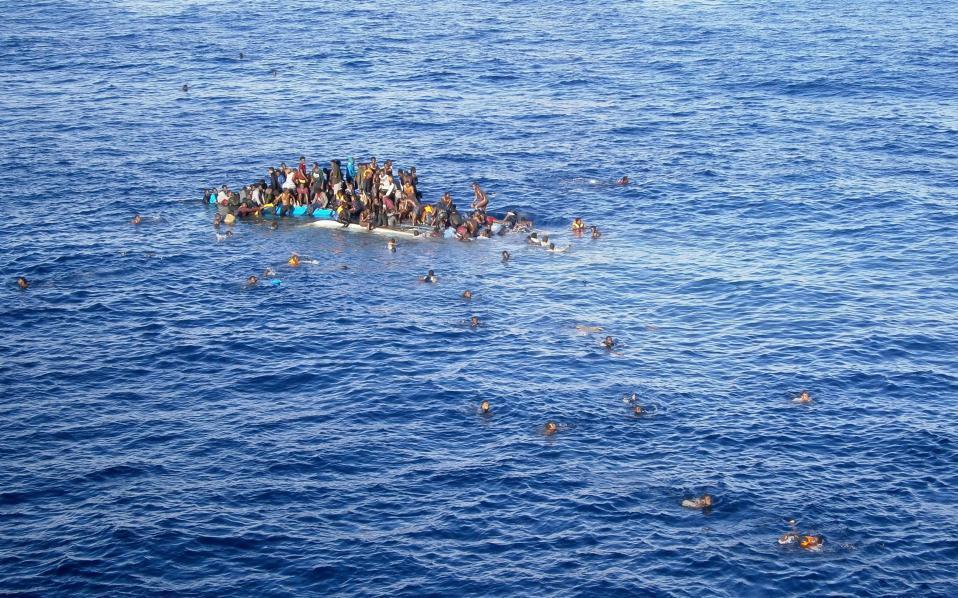 Record 5000 migrants drown in Mediterranean in 2016