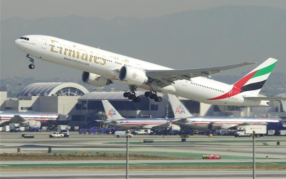 emirates_boeing_777_web