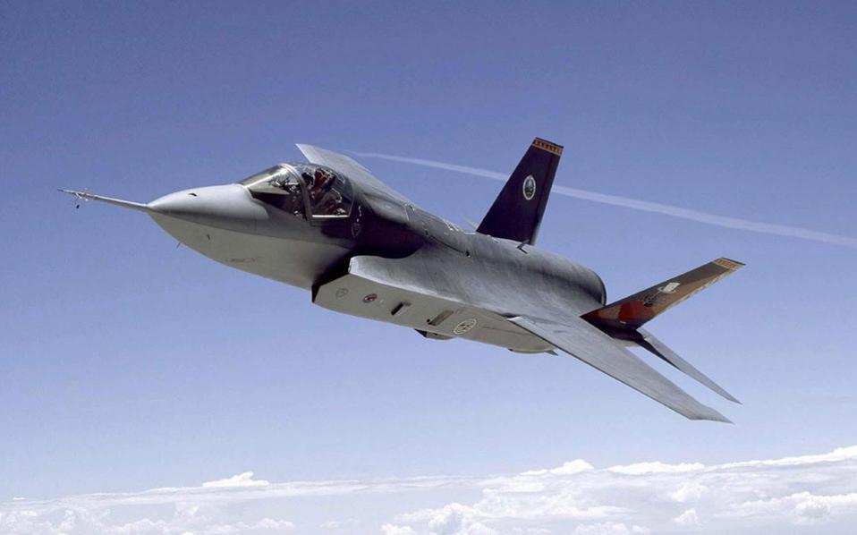 اليونان ستحدث مقاتلاتها ال F-16 للنسخه Viper وستشتري ال F-35 F35-thumb-large