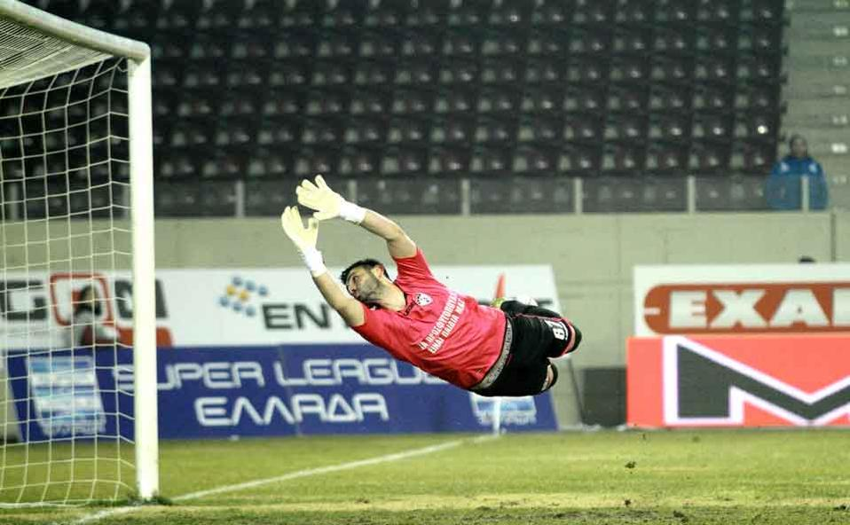 Larissa keeper Gennadi Ksenodochof could do nothing to prevent PAOK's goals.
