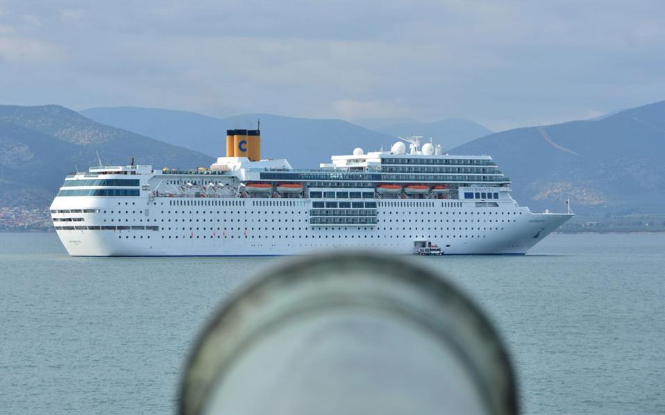 cruise_ship_cant_dock_web