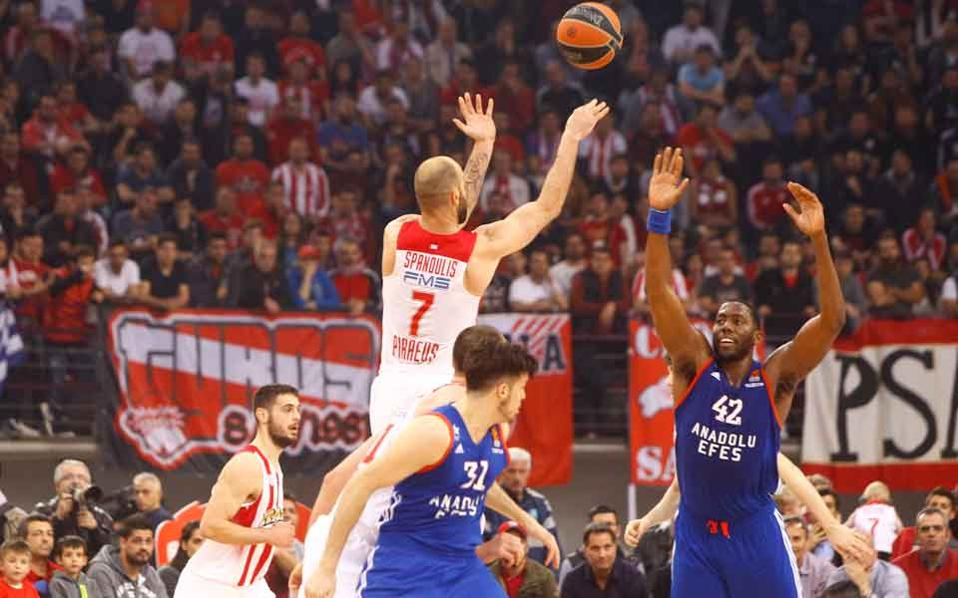 spanoulis_in_the_air_web