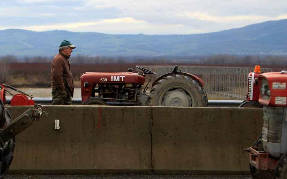 farmer_tractor_web
