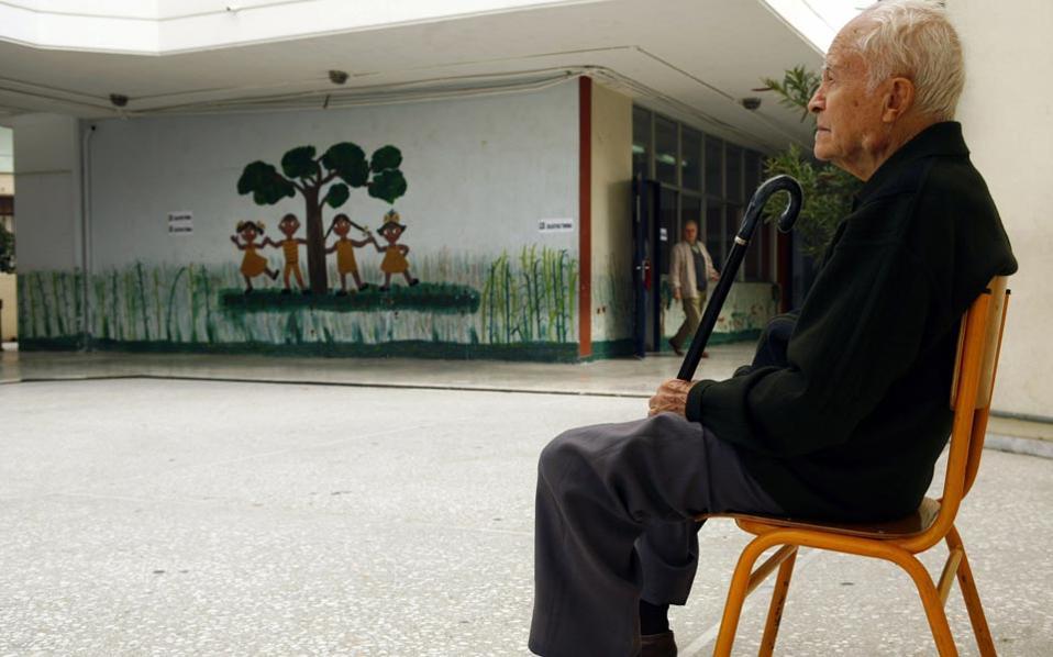 pensioner_elderly_man_web