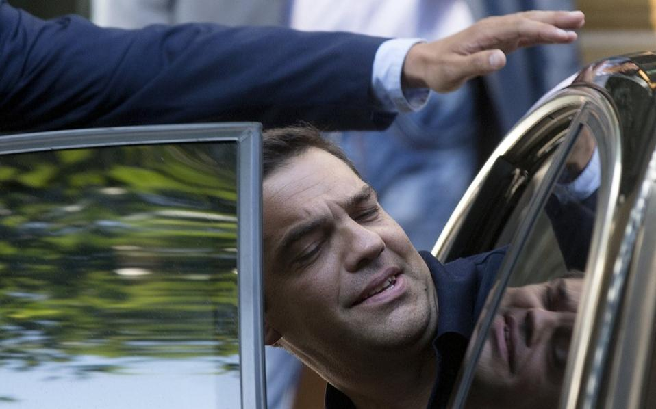 tsipras_refelection_car_web