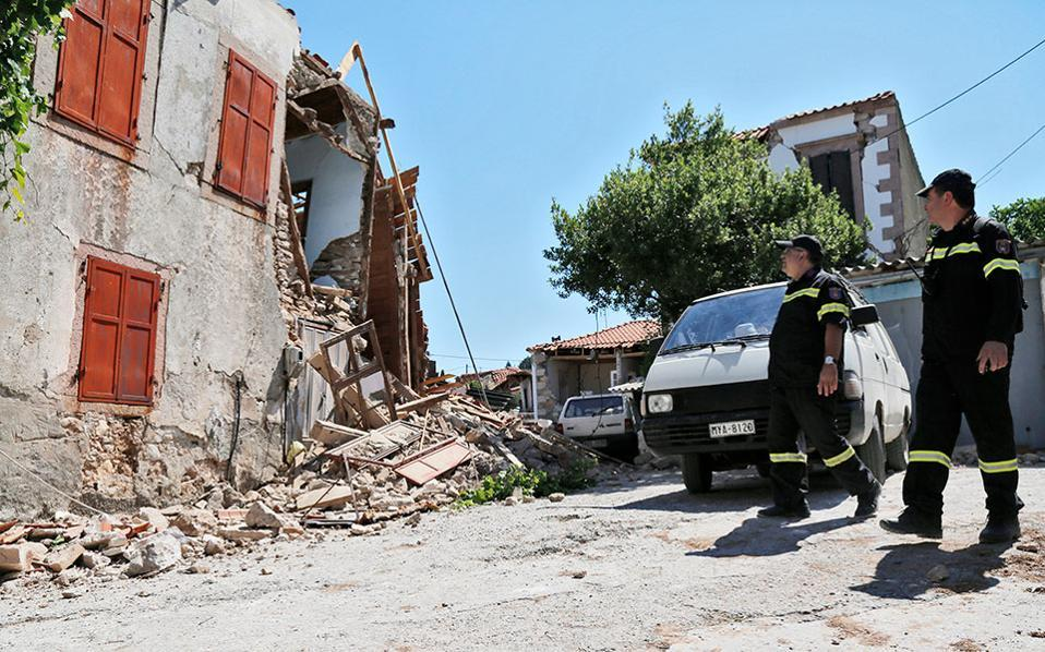 Devastating quake on Greek island of Lesbos kills one and injures 10
