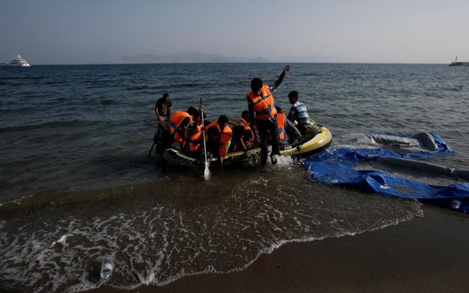 Talks in Paris on Sunday on Italy's migrant crisis
