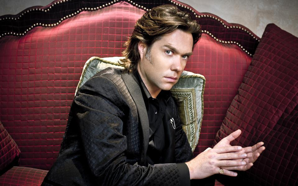'I will be only with my piano and my guitar, so [that should] give me the freedom to improvise,' said Rufus Wainwright.