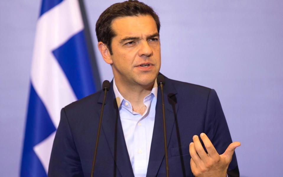 Greek government praises deal with creditors