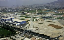 A 3 km tunnel is planned for the stretch of Poseidonos Avenue from the beach at Alimos to the marina at Elliniko.