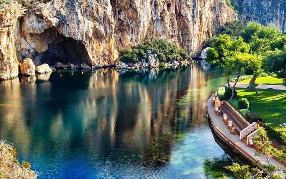 vouliagmeni_lake