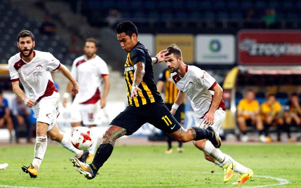 Sergio Araujo scored on his return to AEK.