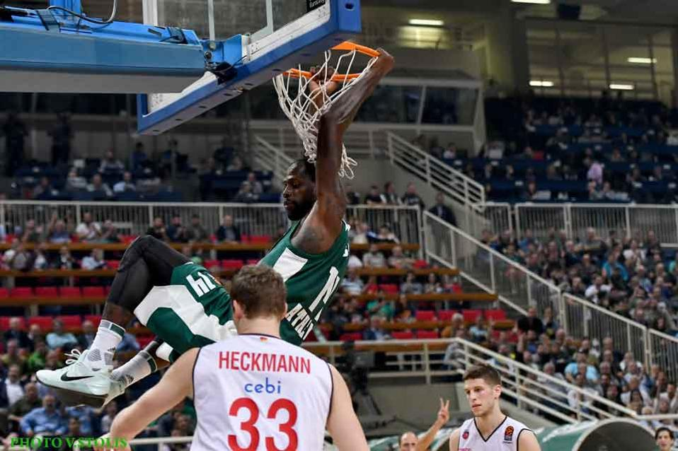 James Gist enjoyed another of his trademark slam dunks for Panathinaikos against Bamberg.