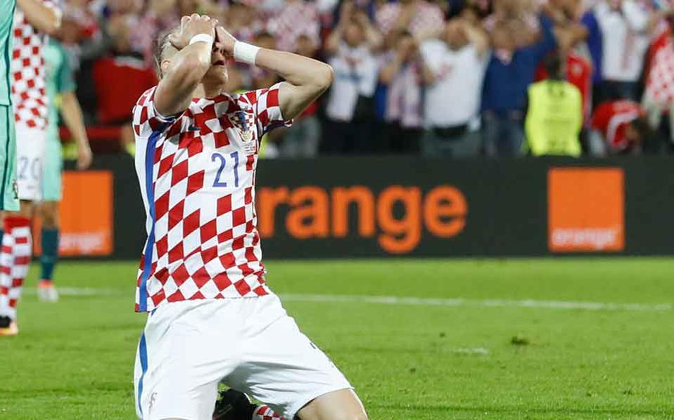 Croatia 4-1 Greece: Croatia put one foot in Russian Federation  2018
