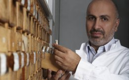Giorgos Korres, who owns 43.95 percent of the company's shares, does not appear at all inclined to give up any more of the business he started 20 years ago. With a presence in 30 countries, double-digit growth and a gross profit margin close to 65 percent, the Greek firm that produces and distributes natural cosmetics is regarded as holding great promise worldwide.